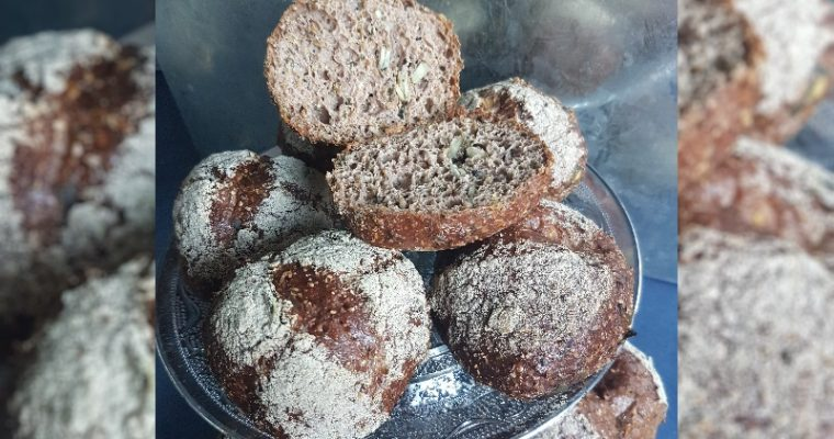 Low Carb Broodjes van pompoenpitten en chiazaad