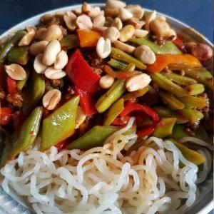 Oosterse Snijbonen met gehakt en Zero Noodles