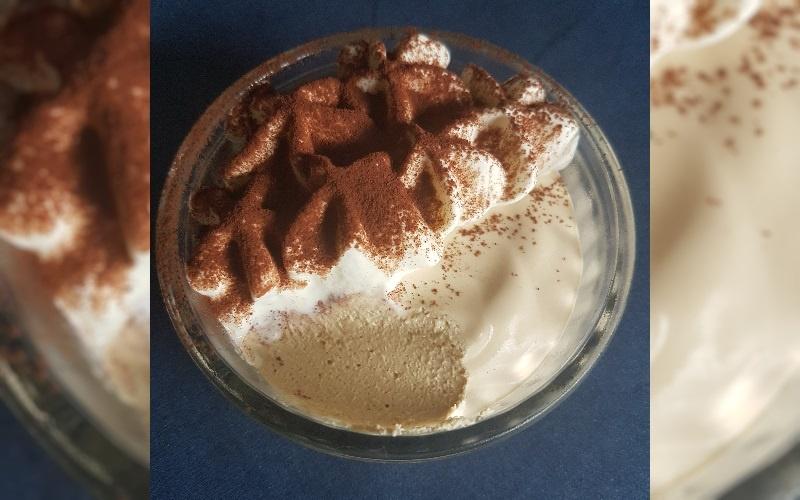 Mokkamousse met slagroom en cacao | lowcarb-rita.nl